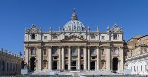 Basilica_di_San_Pietro_in_Vaticano_September_2015-1a